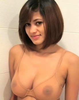 Foto Bugil Guru SMP Cantik Perawan Susu Besar