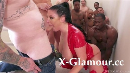 Angela White - Swarmed By 13 Guys Does Her Biggest Blowbang Ever (FullHD)